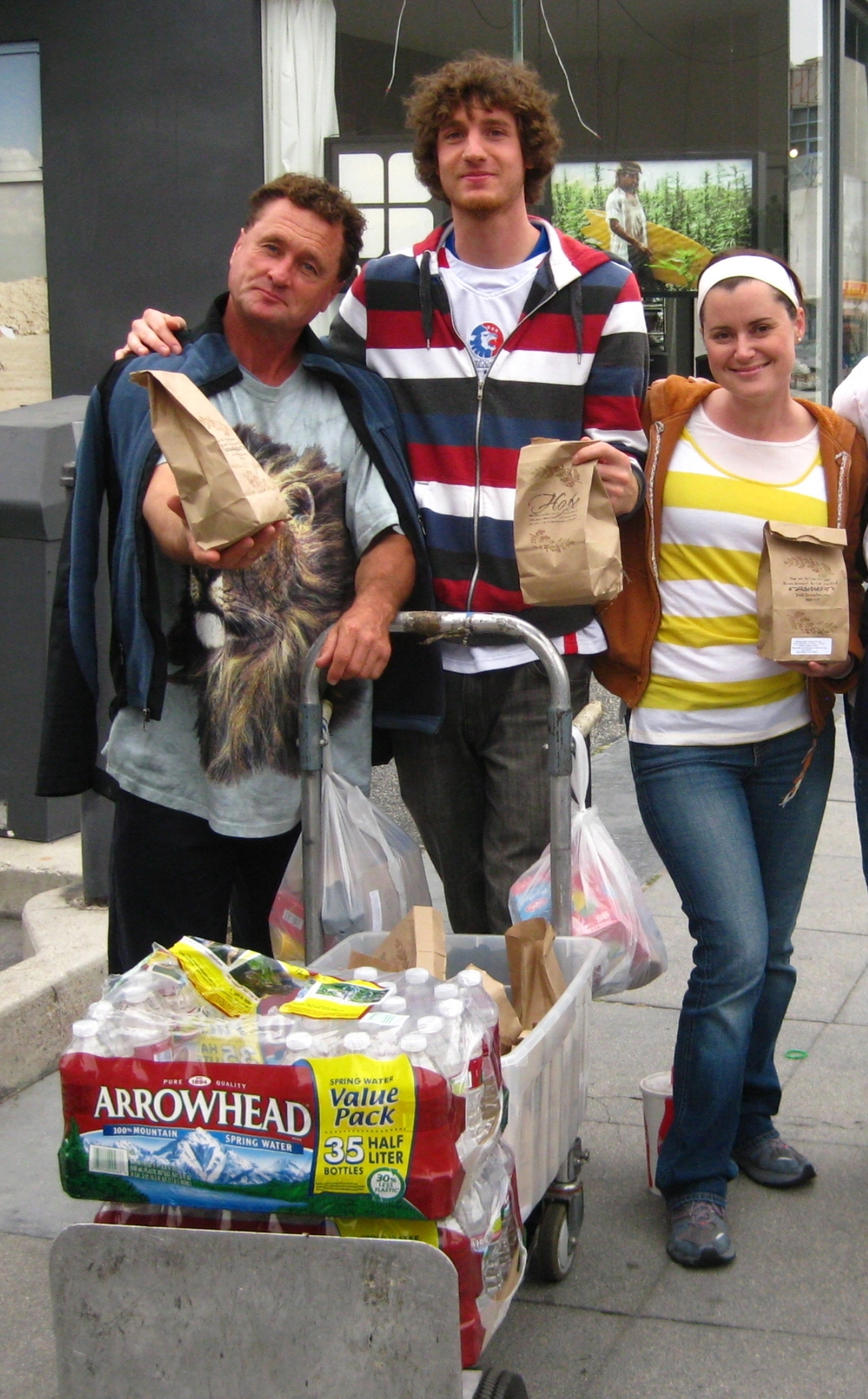 Feeding_Homeless_2 (1).JPG