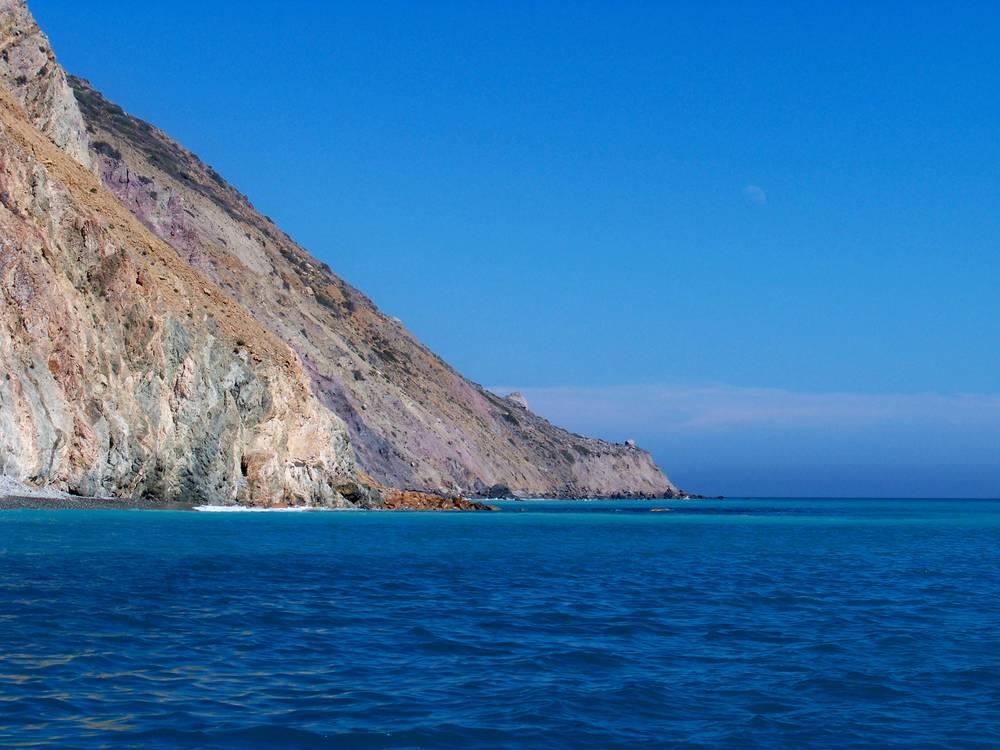 Catalina coastal charters and the big calico bass zone for Catalina island fishing charters