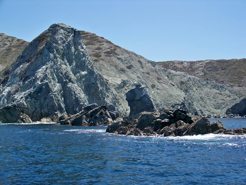 Catalina coastal charters and the big calico bass zone for Rocky point fishing charters