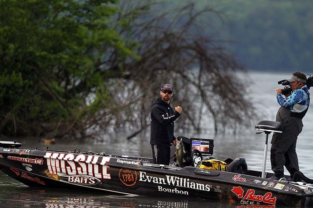 John Crews lands an excellent bass during competition, photo by JohnCrews.com