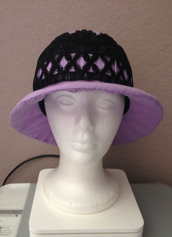 1920s-inspired cloche hat