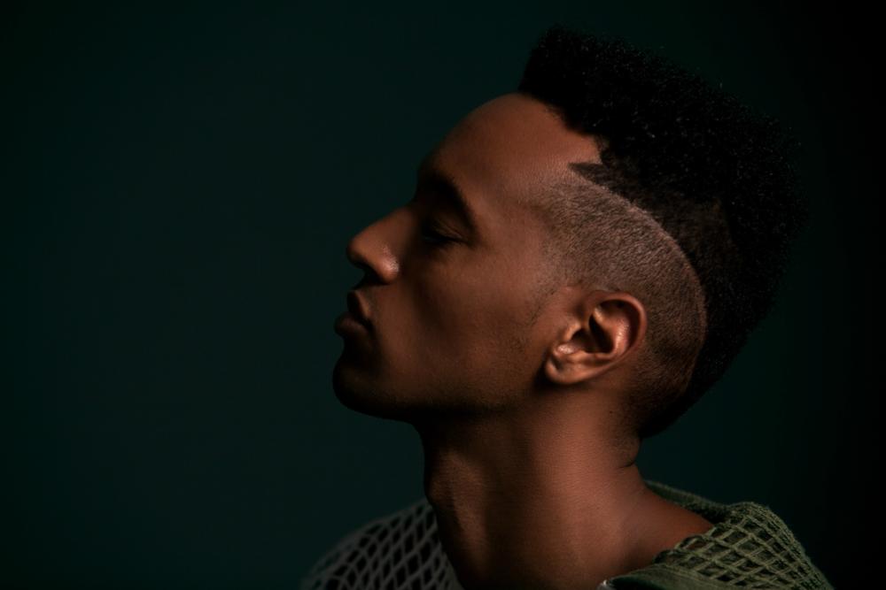 head-shot-of-music-artist-justin-michael-williams.png