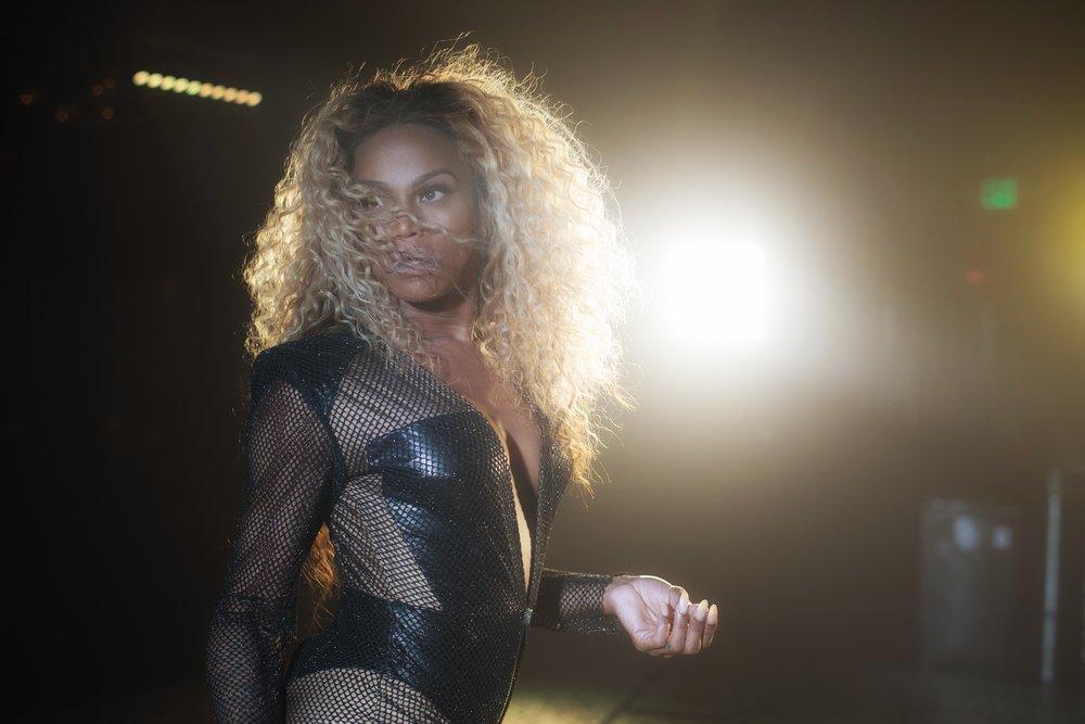Beyonce - Divas Medley BTS2.jpg