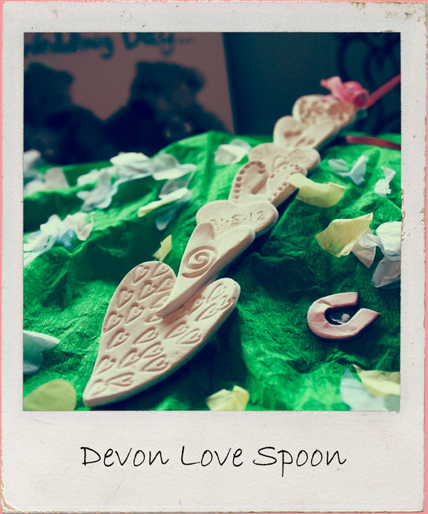 A flippin' lovely novel way to demonstrate a bit of luuurve - make your own love spoon in our relaxed rural studio. BYO bubbly 2 hour workshop