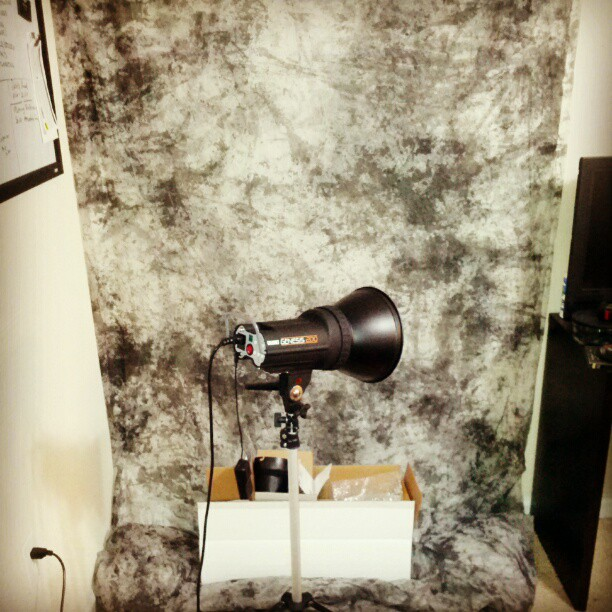 Setting up the photo studio for tomorrow. #photograph #photohrapherproblems #needstobebigger #fortressofsolitude