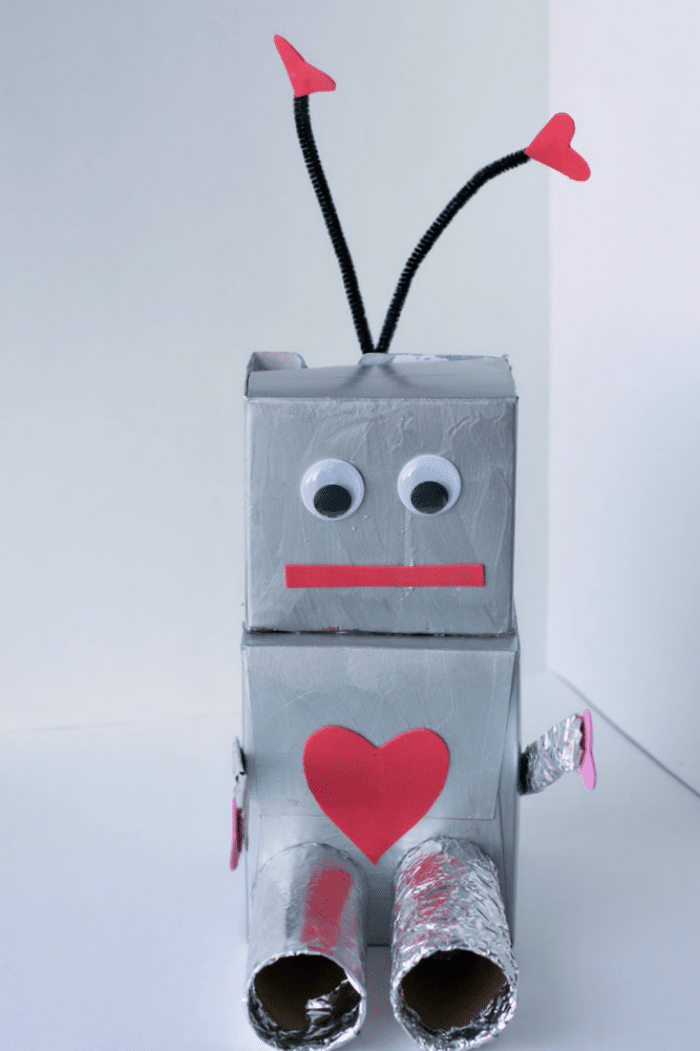 Robot-Valentine-Box-Craft-for-Kids.png