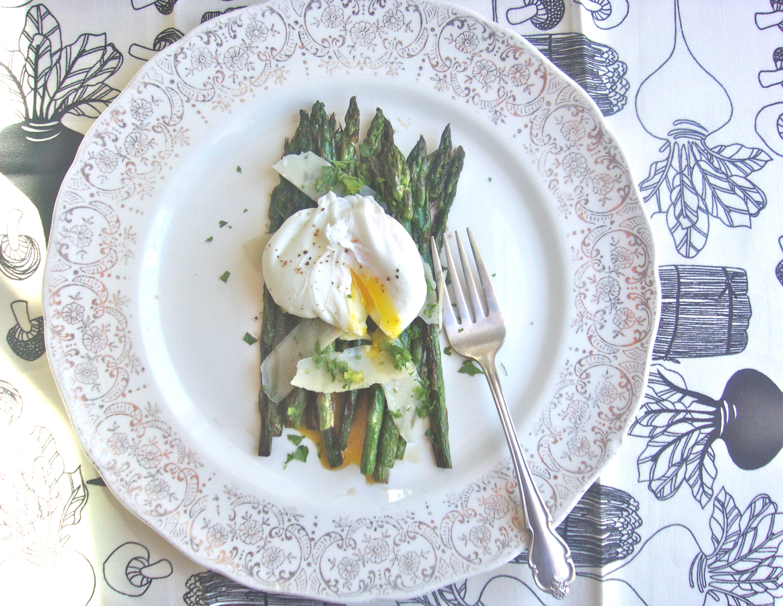 asparagus w/ egg