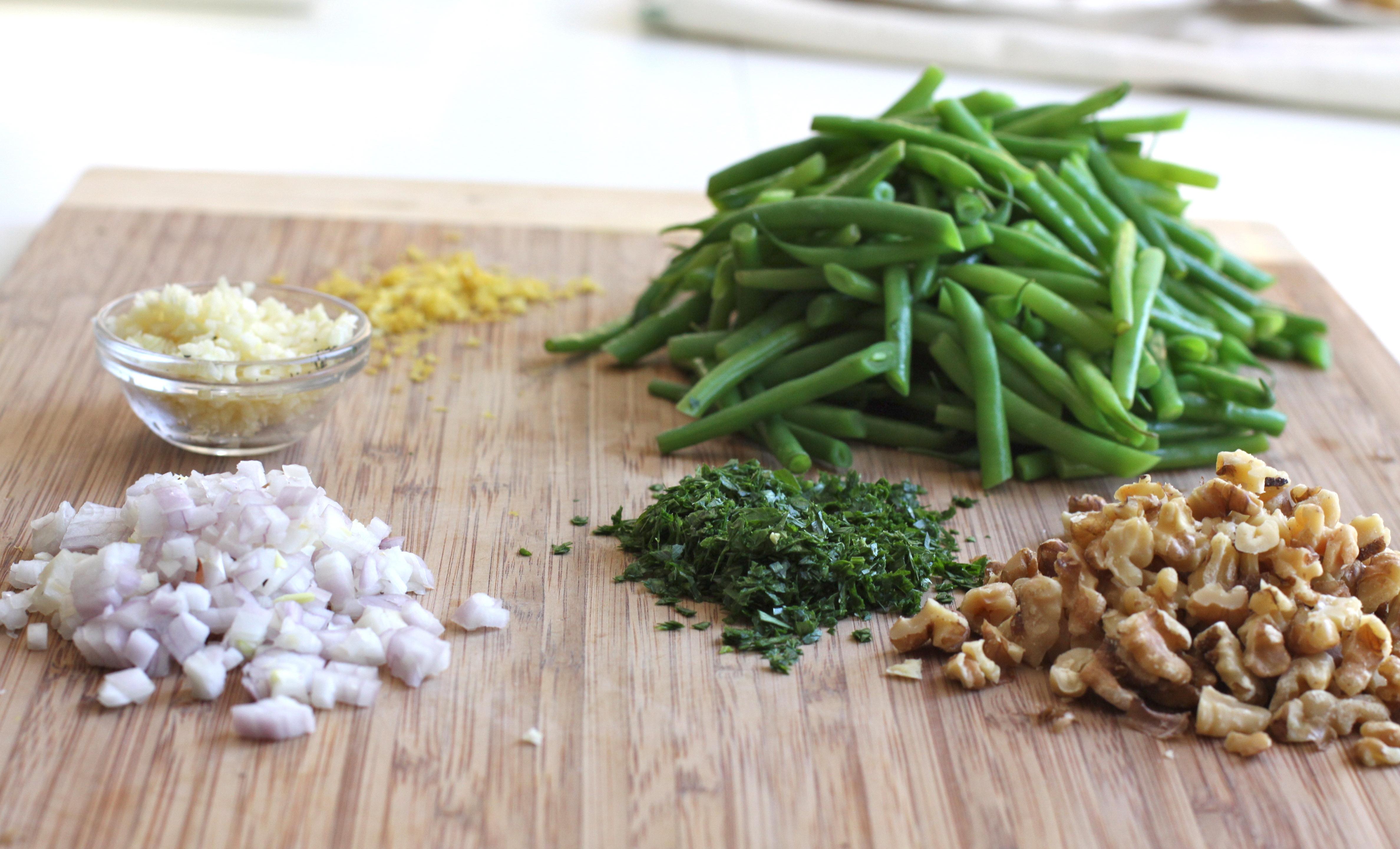 green beans w/ walnuts prep