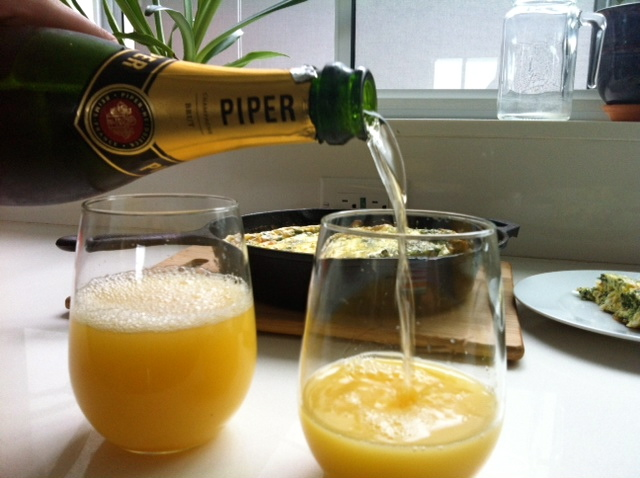 frittata-slorentine-mimosas-refill