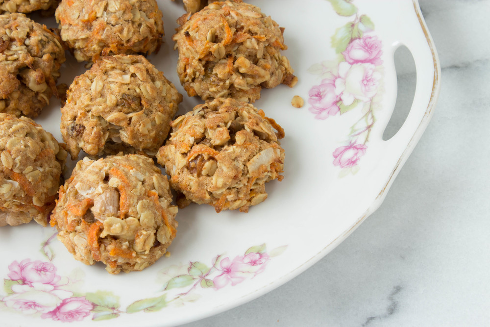 vegan-carrot-raisin-cookies-1
