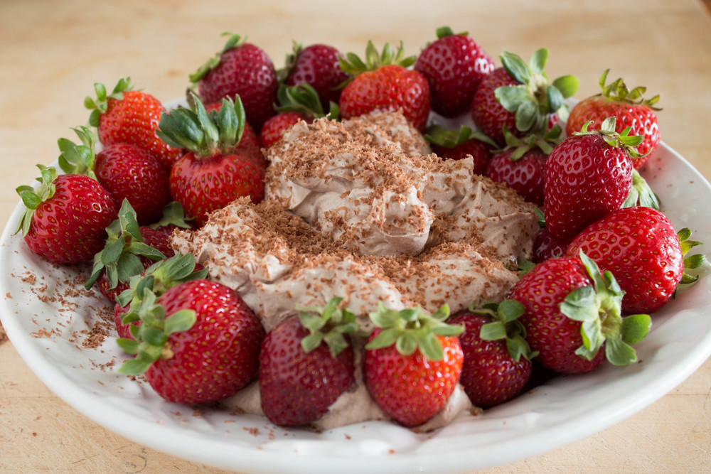 strawberries-with-chocolate-whipped-mascarpone-7
