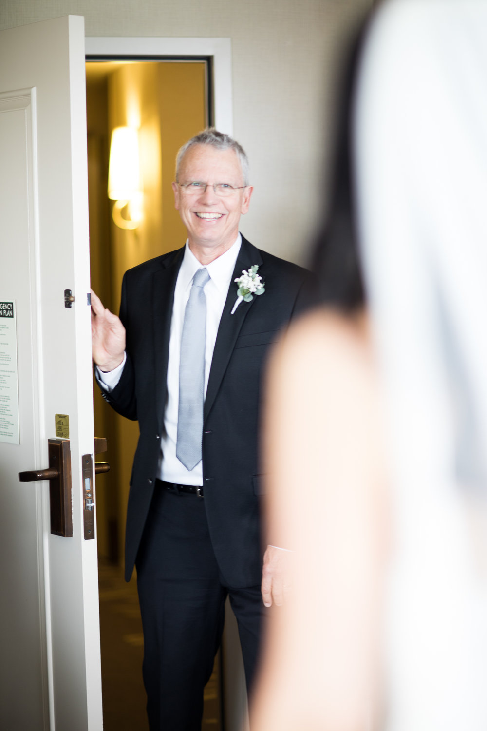 Dad Seeing Daughter for the First Time on Her Wedding Day