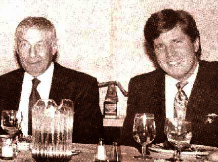 60 Minutes creator Don Hewitt (l) with Steve Dunlop at the Deadline Club Awards in New York, 1992.