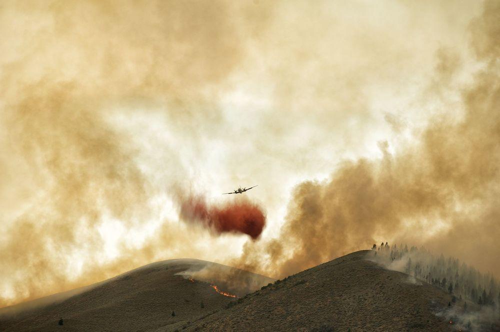 Fire Retardant Bomber