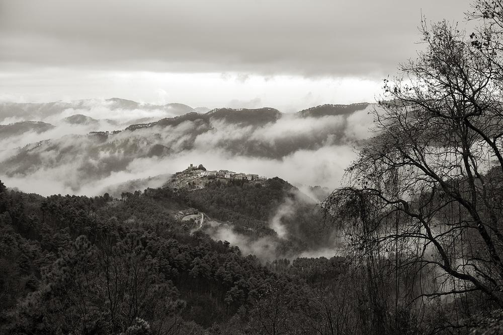 tuscan hill town bw.jpg