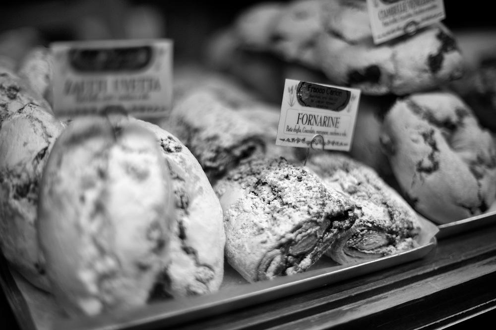 venice pastries bw.jpg