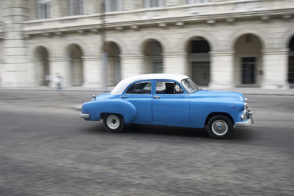 havana blue car blur.jpg