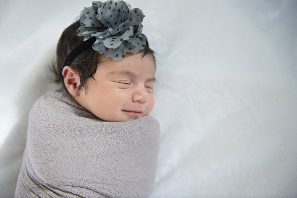 Amaira's Newborn Session - 01.jpg