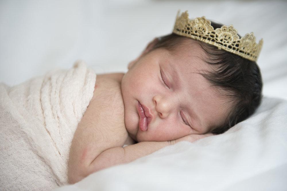 Gabriela Shapourim Newborn Session 41.jpg