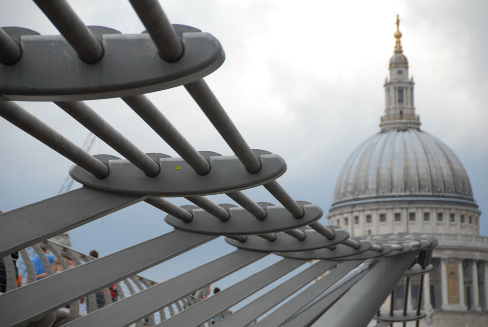 Millenium Bridge, St. Paul's Cathedral