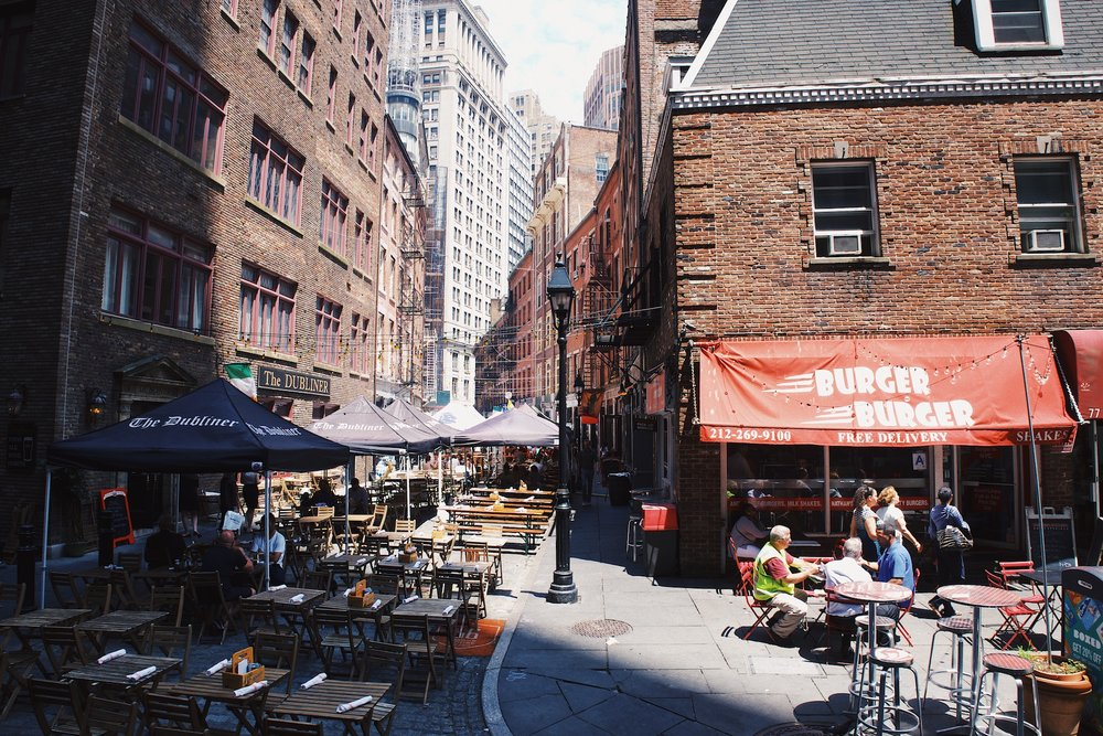 Stone Street - I came across one of the oldest streets in NYC dating back to 1658 and it was a nice break from the modern skyscrapers in the rest of the city. There were also a few great places to grab food and eat outside in the sun.
