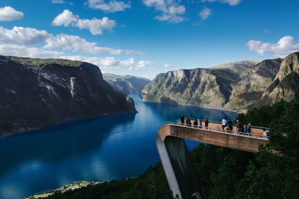 Stegastein - After the long drive and a few stops en route, we got to this amazing viewpoint over the Aurland Fjord, with amazing views considering you can access it via car.We the continued up the Bjørgavegen road.