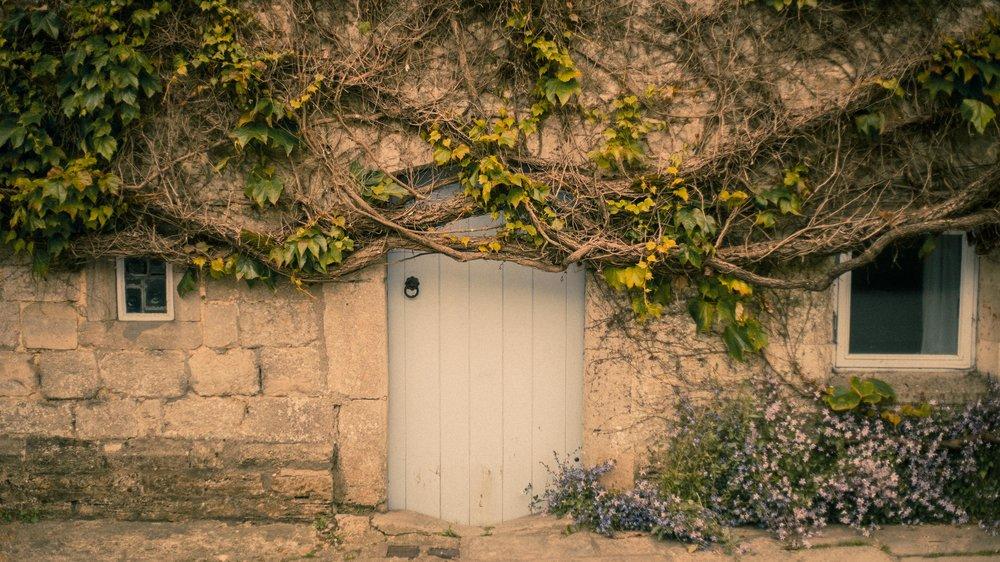 cute door Dorset