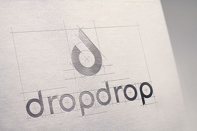 Connecting name, brand, product and sprinkles of symbolism all in one pint-sized object is not a modest task. Pondering typography, color, and all the other indirect mechanisms to a brand is a massive undertaking. Read more about DropDrop logo redesign process on linked in! (Link in Bio) 🎥 💧💧 - - -  #logodesinger #logoredesign #rebrand #rebranding #illustration #sketch #photoshop #logos #branding #brandingdesign