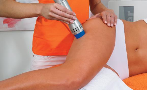 Une application douce pour traiter les cellulites légères et localisées