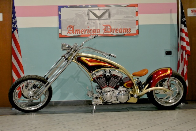 Red Neck Mutant Bike Valli Store 01.jpg