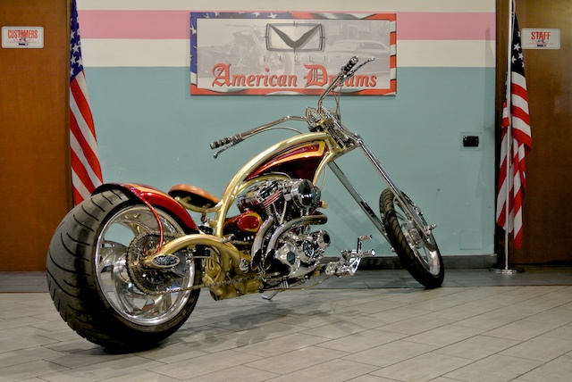 Red Neck Mutant Bike Valli Store 04a.jpg