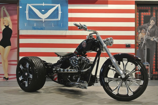 2013 Super-Trike Captain America 2013 10 07 by American Dreams 02.jpg