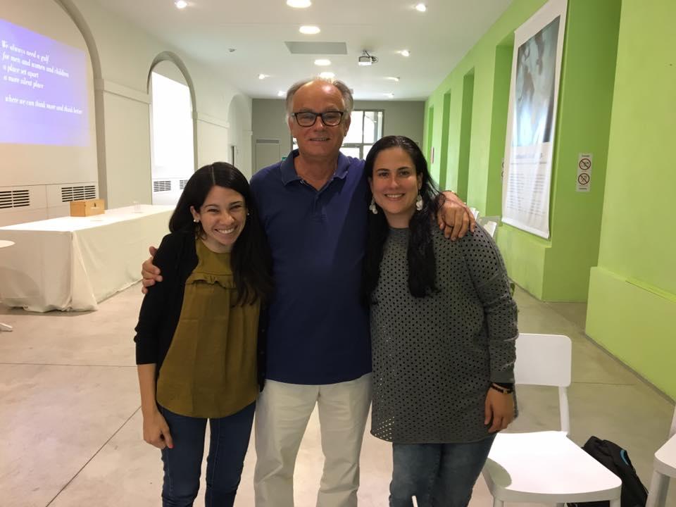 Sergio Spaggiari, fue director de todas las escuelas municipales de Reggio Emilia, creador de REMIDA y de Reggionarra.  Isha Ramirez, representante de Red Solare Colombia