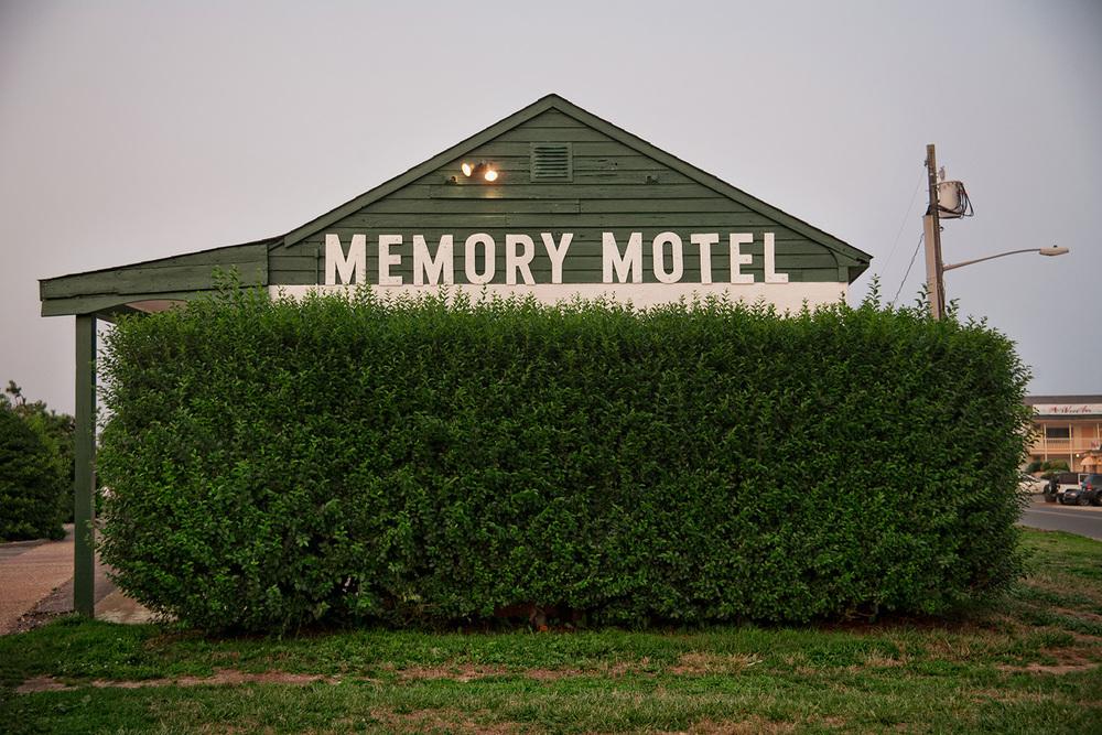 Memory Motel, Montauk Highway