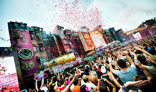 tomorrowland-2012.jpg