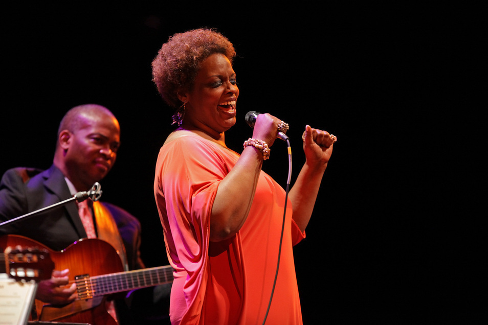 Dianne Reeves with Romero Lombabo and Russell Malone