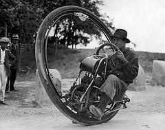C redit: Flickr - Eénwielige motorfiets /Nationaal Archief