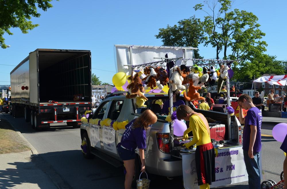 Team 3667 Parade 2012-005.JPG