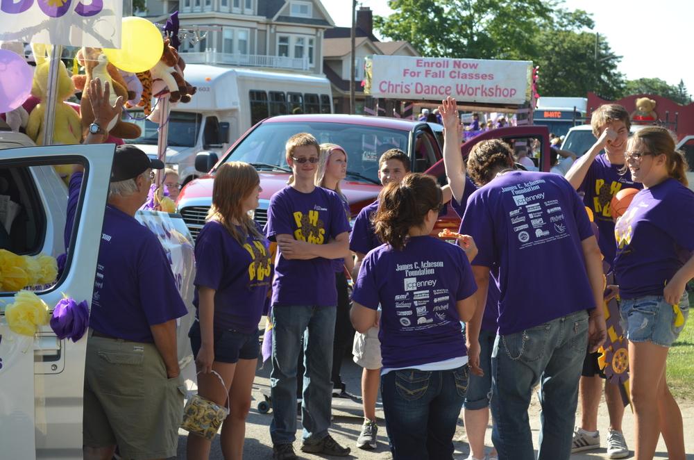 Team 3667 Parade 2012-008.JPG
