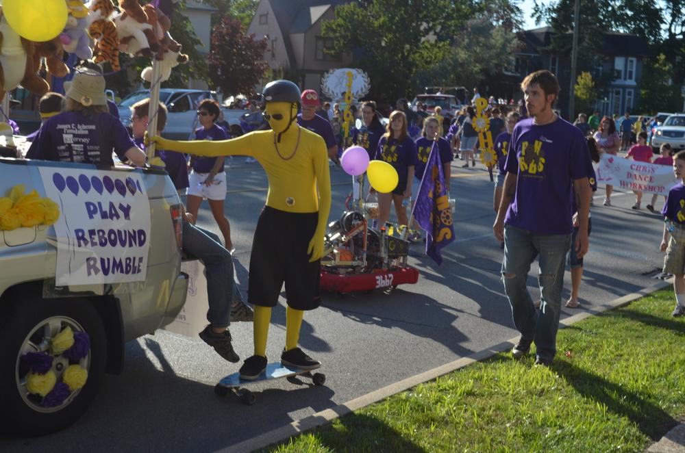 Team 3667 Parade 2012-012.JPG