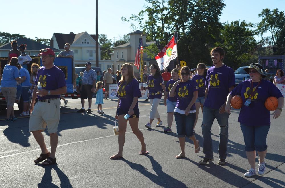 Team 3667 Parade 2012-013.JPG
