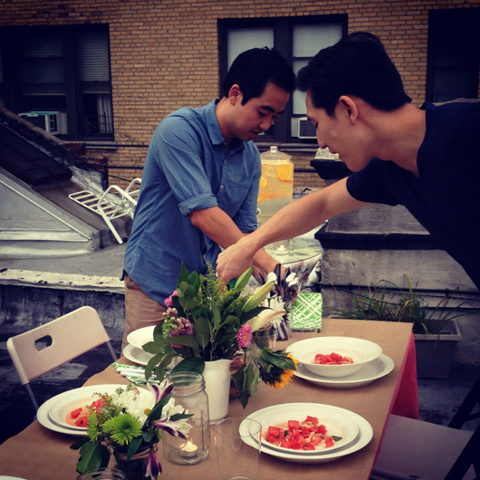 nyc-rooftop-dinner-party-guests