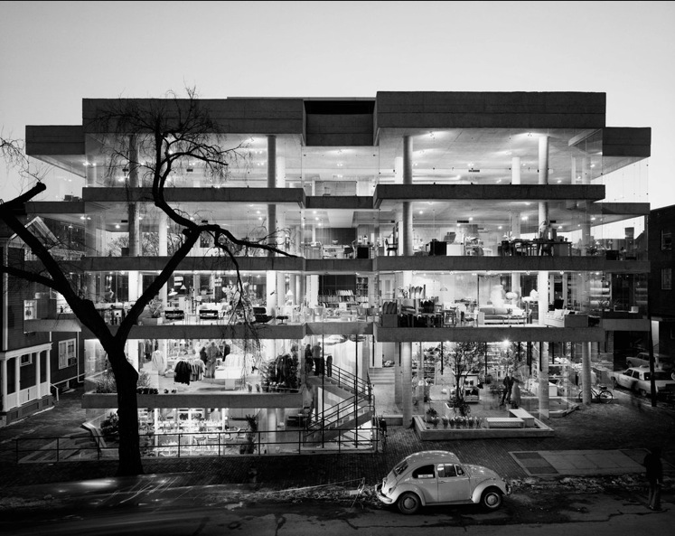 Photo by Ezra Stoller. Design Research, a store in Cambridge, Mass., 1969, designed by Benjamin Thompson.