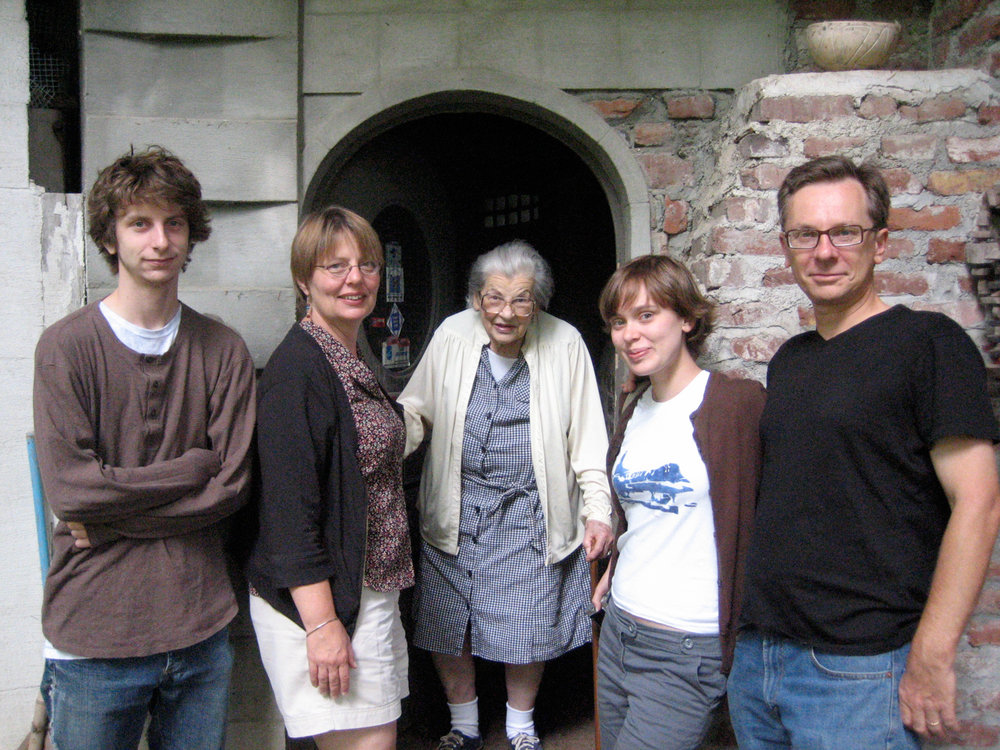 From left to right: Paul Benson, Bev Benson, Frances Gabe (91 at the time), Lily Benson, Greg Benson. August 2007.