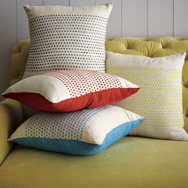 dot pillow cover.jpg