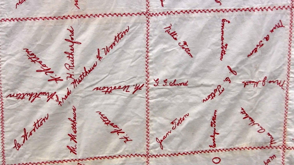 red cross quilt24.jpg
