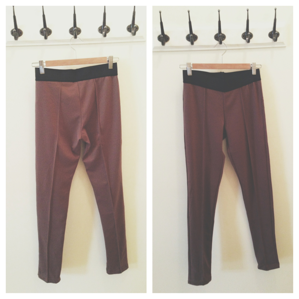 Track pant legging in brown with elastic waistband by  Tresics