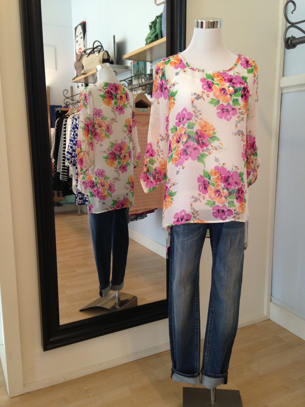 Pink floral 3/4 sleeve blouse