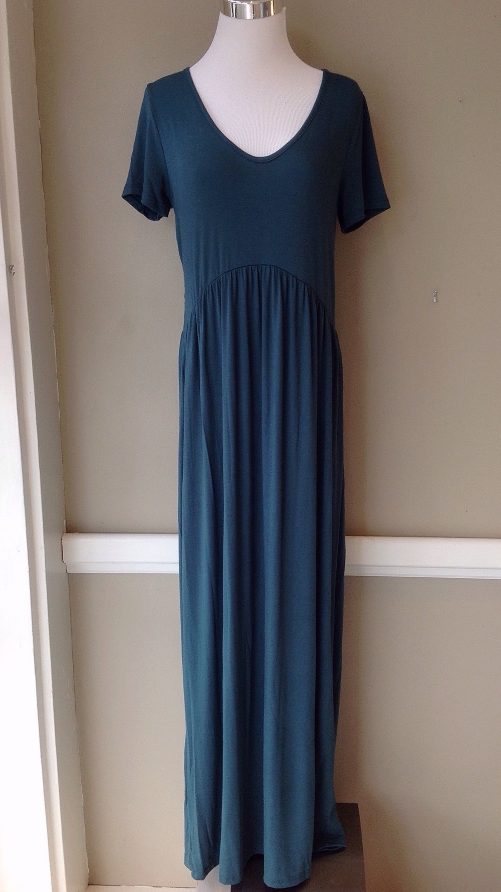 Hunter green short sleeve maxi dress, $38