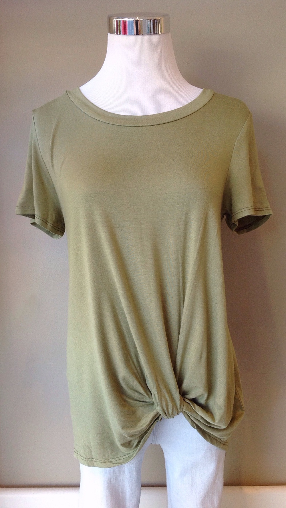 Also available in light olive.